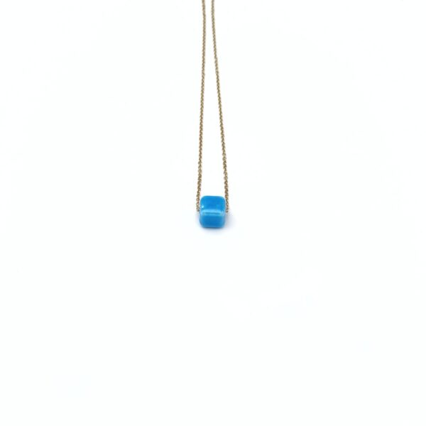 Κολιέ χρυσό με γαλάζια χάντρα